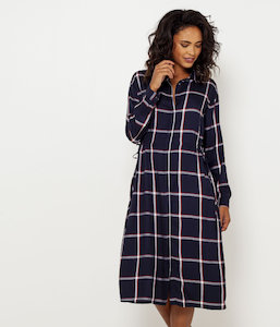 Robe chemise taille resserrée