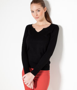 Pull femme découpe col V