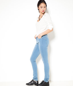 Jean femme coupe slim